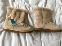 Girls faux suede slipper boots cream size 11 new