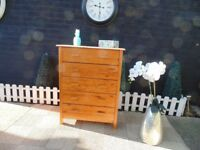 PINE CHEST OF DRAWERS WITH 5 LARGE DRAWERS SOLID AND IT'S IN VERY GOOD CONDITION 72/39/93 cm £45