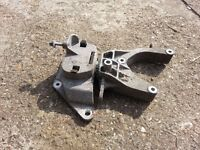 VW Polo Front Engine Mounting