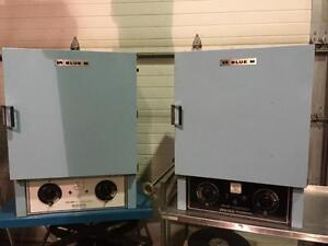 Four Industriel de laboratoire Blue M model 0V-490A-2 - Blue M model 0V-490A-2 Industrial laboratory oven