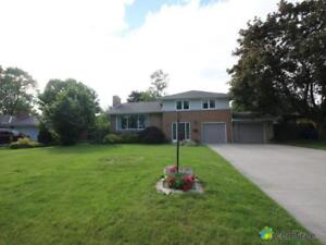 $229,800 - Split Level for sale in Chatham