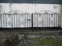 Metal Double Gates