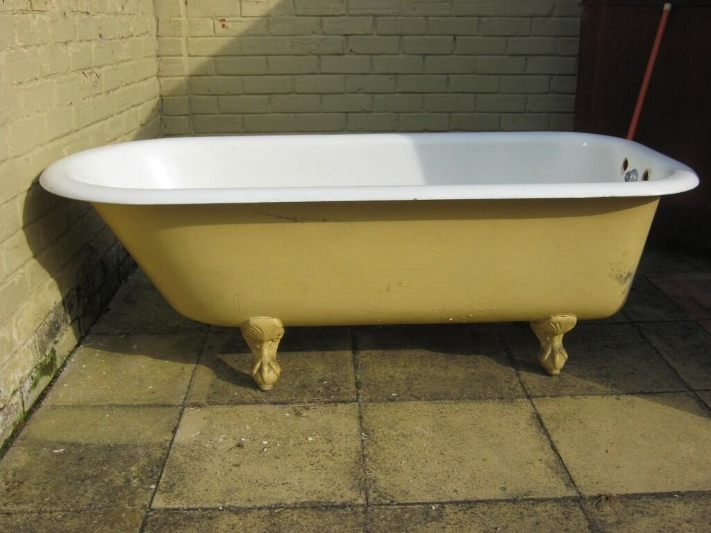 ORIGINALS 1930s CAST IRON ROLL TOP BATH WITH FEET TAPS THE SINK SAME ...