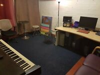 CREATIVE SPACE OFFICE ROOM WORKSHOP STUDIO AVAILABLE