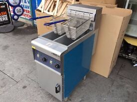 COMMERCIAL CATERING NEW TWIN TANK ELECTRIC FRYER 6kw x 6kw POWER CAFE KEBAB CHICKEN RESTAURANT SHOP
