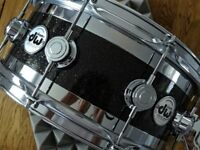 DW COLLECTORS SERIES EDGE SPECIALTY SNARE DRUM - WITH HN14S HARDCASE SNARE CASE