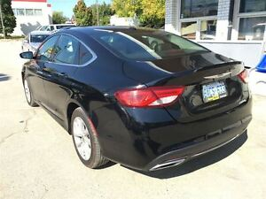2015 Chrysler 200 TOP OF THE LINE/CLEAROUT/PRICED FOR A QUICKSAL Kitchener / Waterloo Kitchener Area image 7
