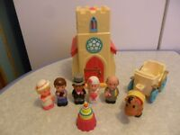 ELC Happyland Church with Wedding Bell Sounds Bride Groom Vicar Carriage Horse - CAN POST