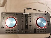 Numark Mixtrack 3 DJ Controller with 16 Multi-Function Pads