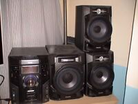 PHILIPS FWM608/12 Stereo system 130w (600w total) 3 Disc changer. USB player. Karaoke function etc.
