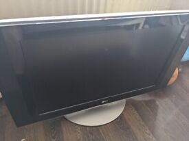 LG 32 inch Tv - 1 Hdmi socket and others