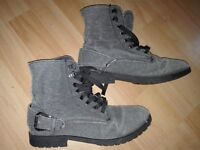 Fabric Ladies Ankle Lace Up Boots Size 5 - very good condition