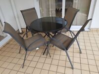 Spring is coming - Round modern Garden Patio Set & 4 comfortable chairs - v.g.c - just over 1 yr old