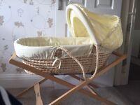 Mamas & Papas Moses Basket (Zeddy & Parsnip Design) - with mattress & 5 x moses basket sheets