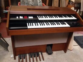 Hammond electric organ in working order with Stool