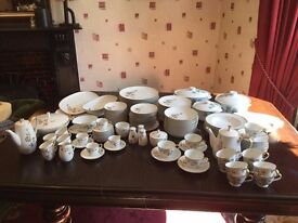 Noritake Rosewin fine china dinner service - 131 pieces