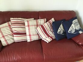 Sofa/ settee/ bedroom cushions/ pillows