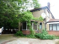 Beautiful 3 bedroom flat in Willesden near Roundwood Park,