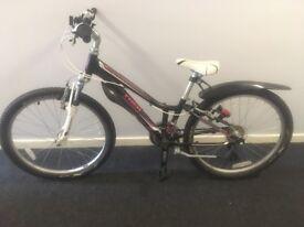 Trek MT220 girls bike