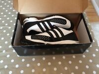 Adidas golf shoes like new!