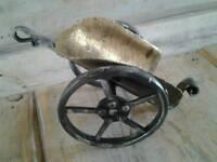 1 New hardened iron wine / champagne bottle holder.Perfec gift for wedding.Handmade