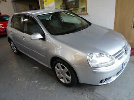 2007 VOLKSWAGEN GOLF 1.6 FSI, AUTOMATIC, FULL DEALERSHIP SERVICE HISTORY, DRIVES LIKE NEW