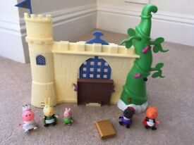 Peppa Pig Fairy tale Castle & posable Peppa figures