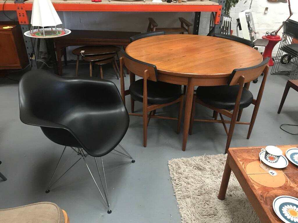 Retro Mid Century Modern Furniture For Sale Chairs Desks Tables Lights Dining