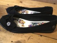 New blowfish ladies flat shoes size 6 (5.5)