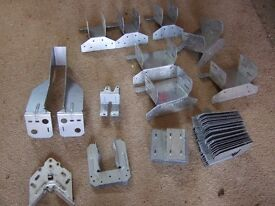 TRUSS ROOF BRACKETS AND CLIPS, ALL NEW AND UN-USED JOB LOT