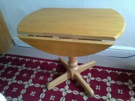 Pine drop leaf table