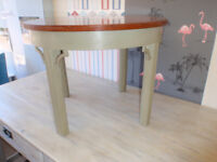 Vintage Round Coffee/Side/Lamp Table