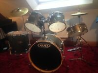 Mapex drum kit little used.