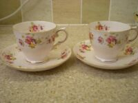 Tea-Set - Fine English China cups, saucers and plates. Set of 6 . Pretty Floral Design. VG Condit