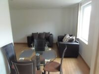 Tower Hill. London Bridge. St Katherines Dock. Must See.>PROFESSIONAL HOUSE SHARE