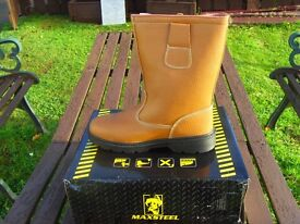MAXSTEEL TAN FUR LINED RIGGER SAFETY WORK BOOTS steel toe/sole sizes 7,9,10 and 11 £25 collect