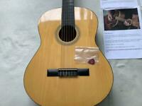 BEAUTIFUL CLASSICAL GUITAR WITH LOVELY TONE