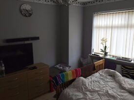 Double room and a single room for rent
