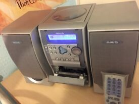 Aiwa LCX257 stereo system FM CD cassette recorder