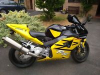 Beautiful Condition 2004 cbr 954 fireblade. Includes Ventura Luggage System