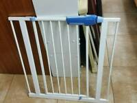 Lindam safety stair gate pressure shut extendable heavy quality