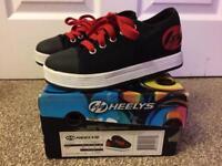 Heelys girl/boy shoes black/red size 1