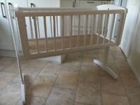 Mothercare white crib, great condition, swinging or static