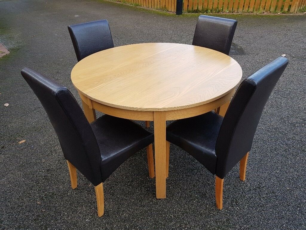 Round Oak Veneer Extending Dining Table Amp 4 Leather Chairs