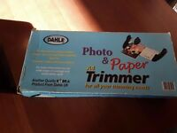 Photo and paper trimmer/cutter