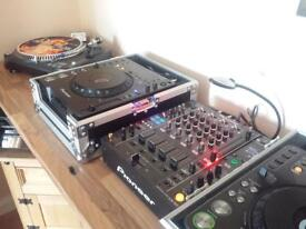 Pioneer cdjs and 850 djm mixer