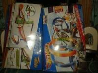 2 boxes of hot wheels toys
