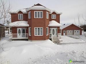 299 500$ - Maison 2 étages à vendre à Jonquière (Shipshaw)