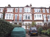 Large room with access through grand period house - Clapham Common North Side- SW4