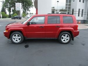 2010 Jeep Patriot Sport 4x4 (LOW KM 4X4 SUV FOR UNDER $10,000!)